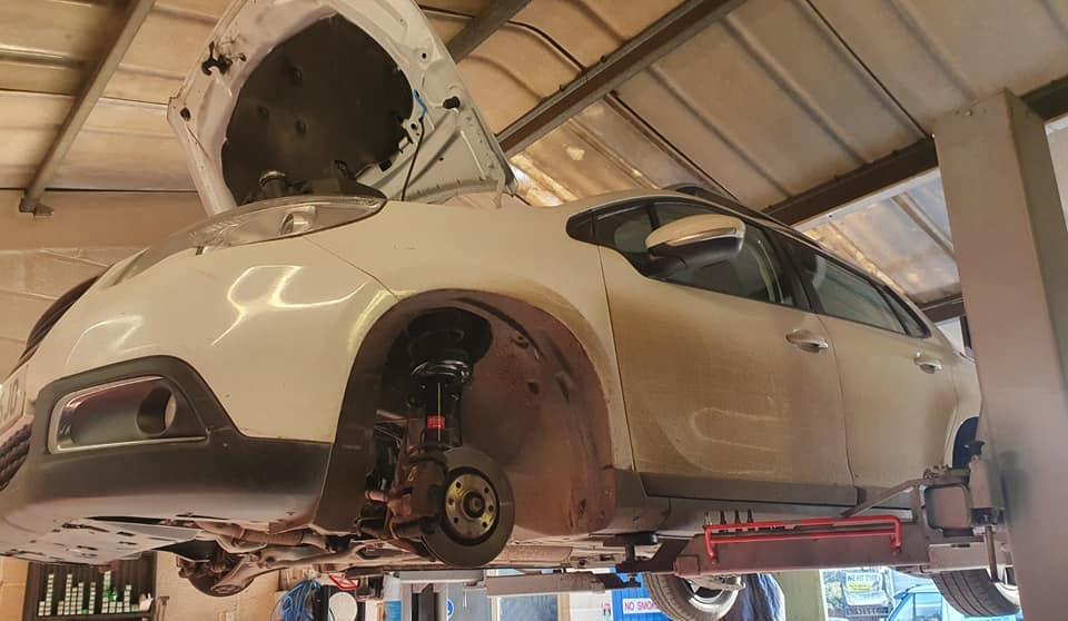 MOT test and repairs at SAS Tyres